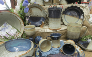 Pottery - dinner ware image, blue and cream coloured